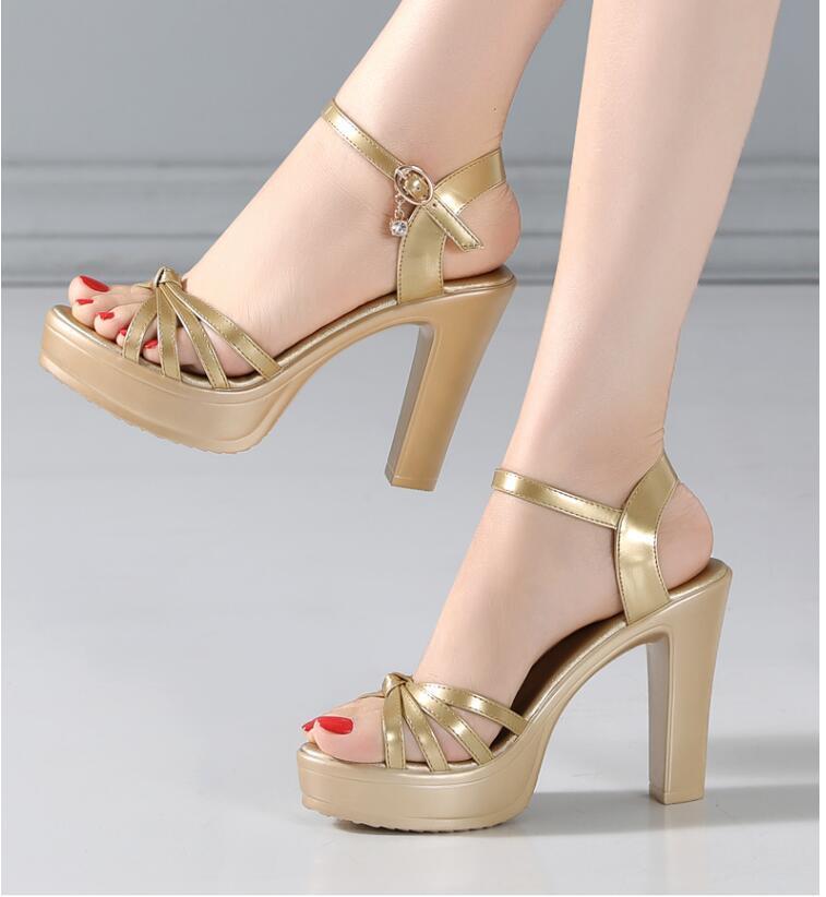 2020 Nouveau Design Filles Mode Chunky Heels Sandales Sandals Femme Heel High High Talon 11cm Pompes Plate-forme Dame Épais Sexy Chaussure Grande taille 42 43 10 # P42