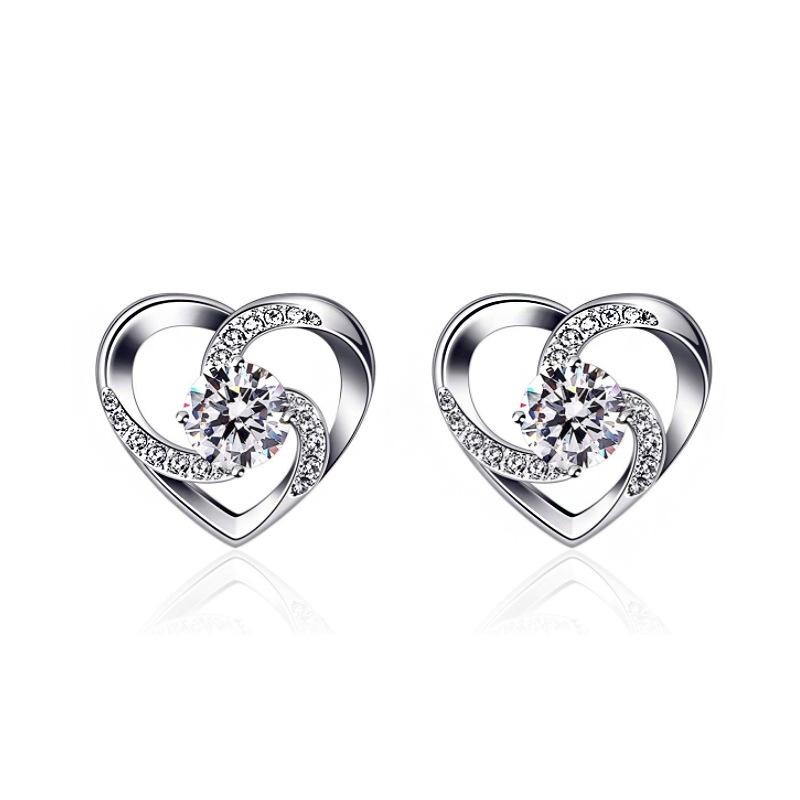 da S925 Silver European E American Fashion Love Heart Stud Orecchini da donna Orecchini a forma di cuore Orecchini Accessori transfrontalieri