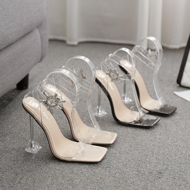Buckle Strap Sandals Stiletto Saltos Comfort Shoes para Mulheres 2021 Grande Tamanho das Mulheres Quadrado Toe Terno Feminino Bege Conforto Bloco
