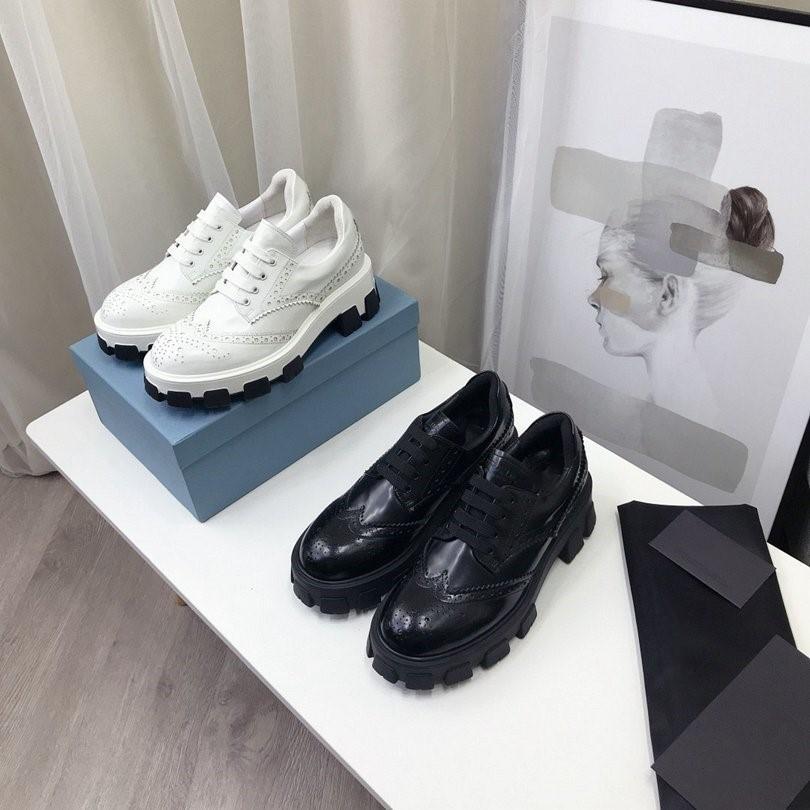 Nuevas botas de moda damas otoño e invierno zapatos casuales diseñador de moda de cuero cálido botas cortas tamaño 35 a 41