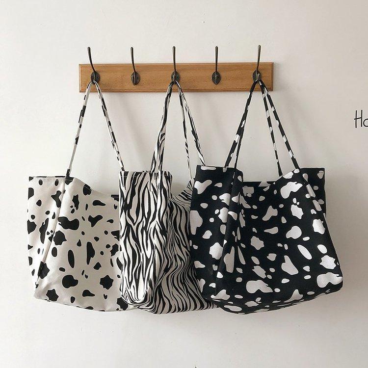 여성 핸드백 토트 캔버스 얼룩말 패턴과 소 패턴 하나의 어깨에 큰 가방 여성 2020 새로운 한국어 야생 대용량