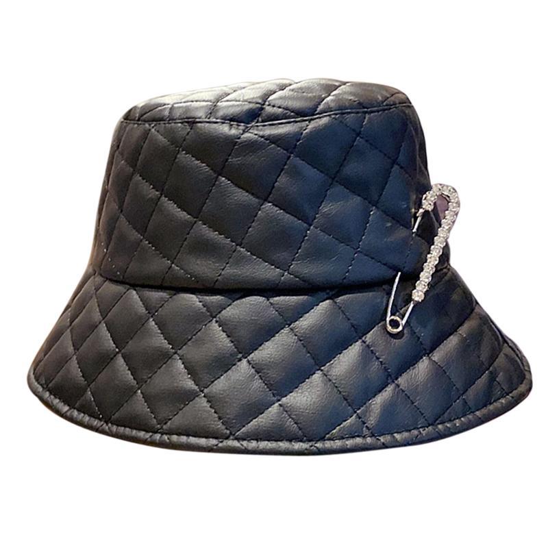 رصع الماس اليابانية خريف وشتاء المرأة جلدية الصياد قبعة الكورية النسخة بو لينة الشرير دبوس قبعة دلو أزياء مصمم