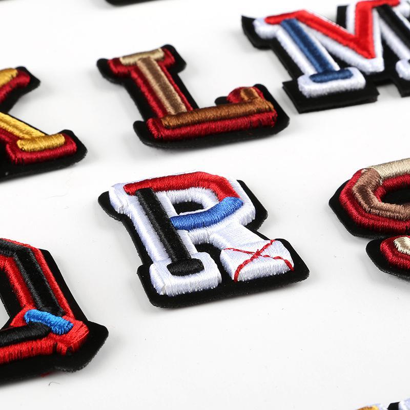 3D Letter Abzeichen Gestickte nähen auf Flecken bunte Namensschilder Hut-Beutel-Hemd DIY Logo versinnbildlicht Crafts Alphabet Dekorationen FWA2190