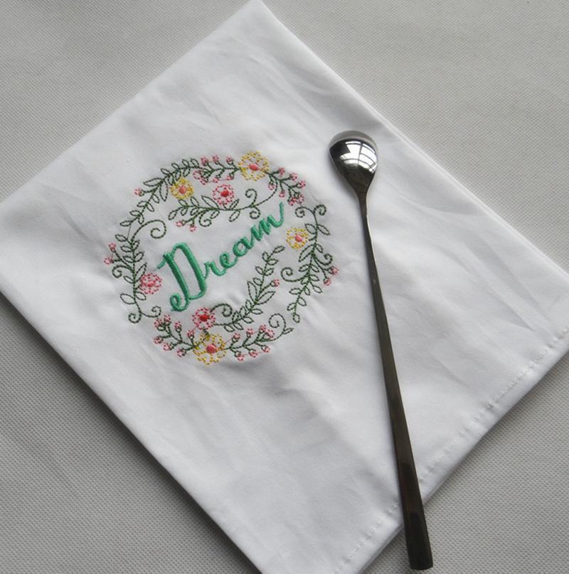 Вышитые салфетки писем хлопчатобумажные чайные полотенца абсорбирующие стол салфетки кухня пользы для ночного платка бутик свадебные ткани 5 дизайнов OWF1196