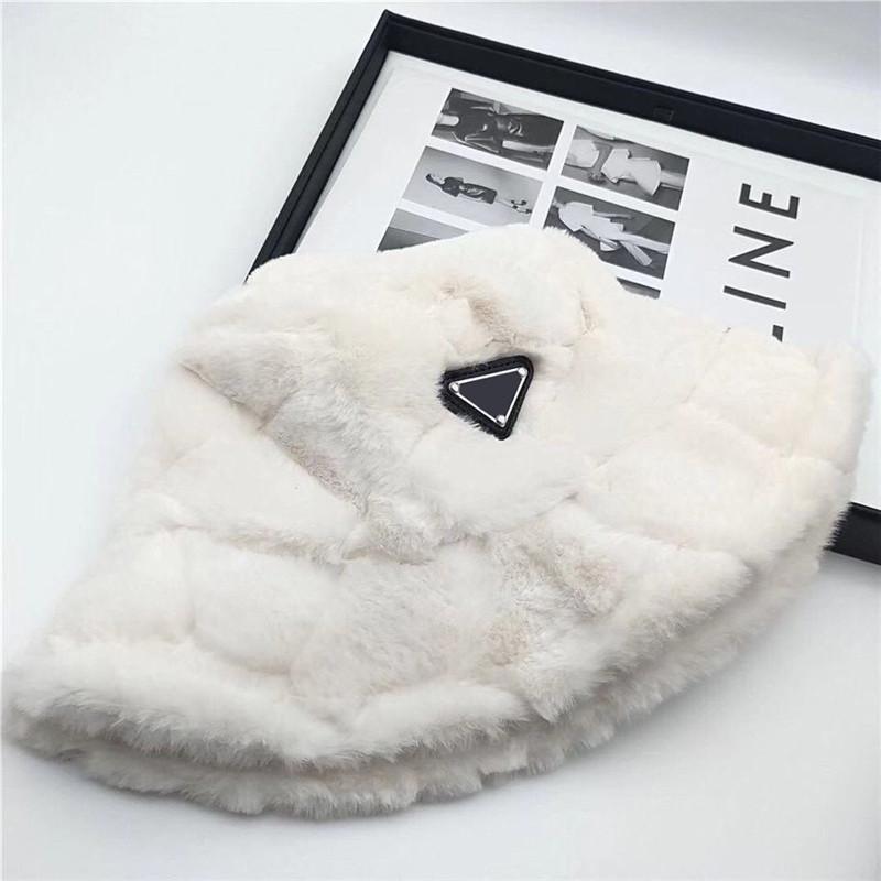 Sıcak Kış Kova Şapka Bonnet Kap Kadın Tasarımcılar Kapaklar Şapka Erkek Bayan Bere Beyzbol Şapkası D201208CE