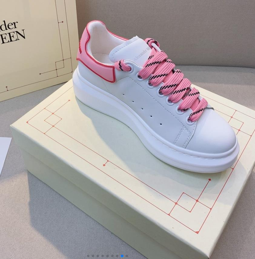 الرجال النساء الرياضة في الهواء الطلق الصغيرة الأبيض مصمم أحذية جديدة ذات جودة عالية أحذية جلد البقر الأبيض الصغيرة أزياء العلامة التجارية بيع احذية 2102003B