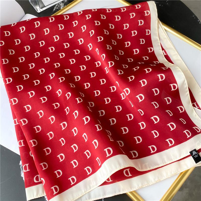Seta femminile Sciarpa al collo Lettera D Stampa Piazza dei capelli Foulards Fascia capa scialli e avvolge Bandana Bandana 70 * 70cm