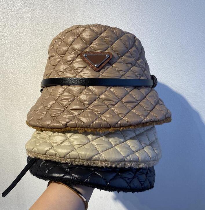 مصمم إلكتروني p الفاخرة رشاقته قبعة دلو للمرأة فاخرة الشمس قبعات قبعات قبعات قابلة للطي صياد صن قناع السيدات في فصل الشتاء غطاء دافئ