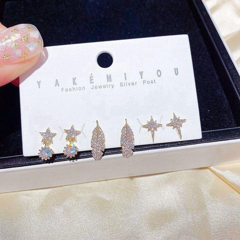 Delicate stili misti Foglia Stella orecchini set Colore Oro Micro pavimentate Zirconia Orecchini Donne Cubic