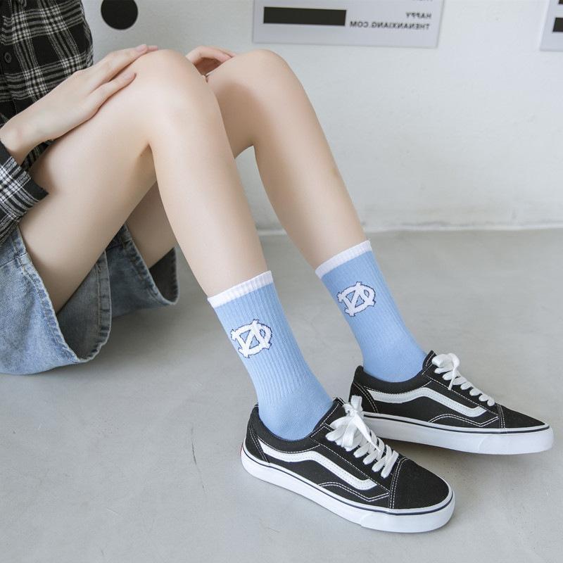 Calcetines para hombre Moda japonesa de alta calidad Harajuku Hip-hop Algodón Novedad Pareja Streetwear Black Blanco Azul