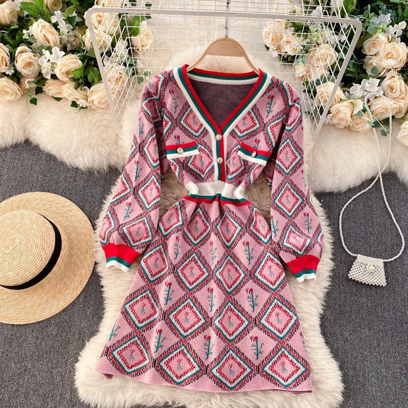 2020 Herbst Winter Chic Retro Check gestrickt Kleid Frauen Elegant Temperament V-Ausschnitt Langarm Pullover Kleid Slim Tunika Kleid Y1224