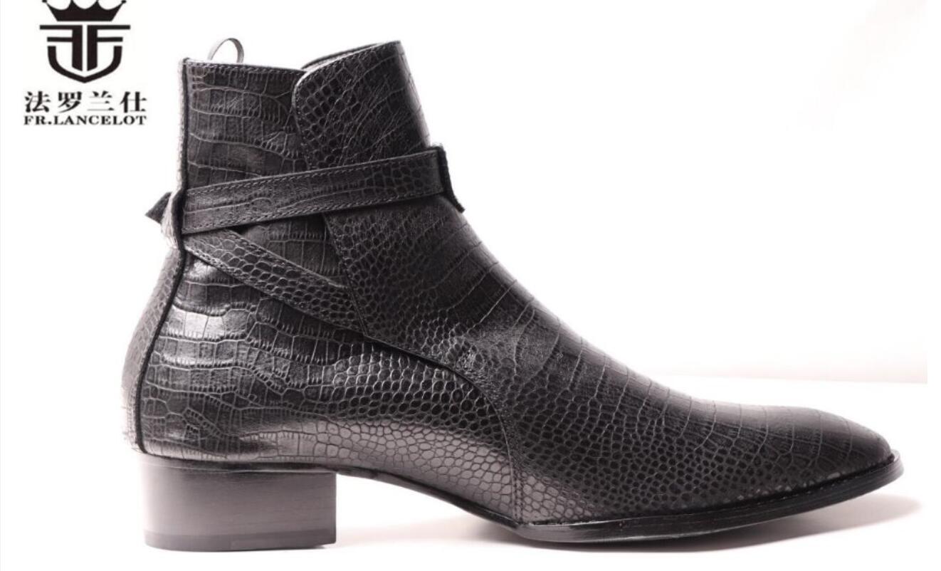 2020 Männer kleiden Stiefel Männer Schlangendruck Lederstiefel Schnalle Ankle Booties Parteischuhe med Ferse Männer Stiefel