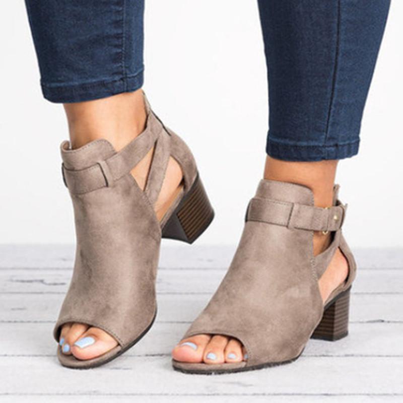 Kadınlar Yaz Çizme Peep Toe Med Kare Chunky Topuk Flock Sandalet Artı Boyut Kadın Sonbahar Hollow Toka Ayakkabı 569 Pompaları