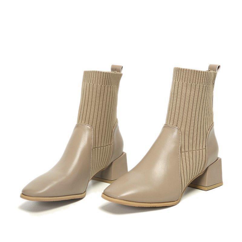 2020 Nueva Corea retro calcetines elastizados botas beige charol botas cortas de las mujeres celebrityboots netos botas de suela plana de siembra