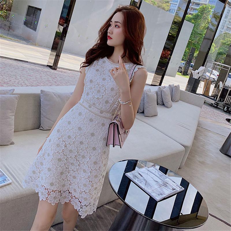 Цветочные вышивки кружева платье женщин O-образным вырезом без рукавов оборками офис леди лето мини-платье плюс размер Элегантный Bodycorn B208