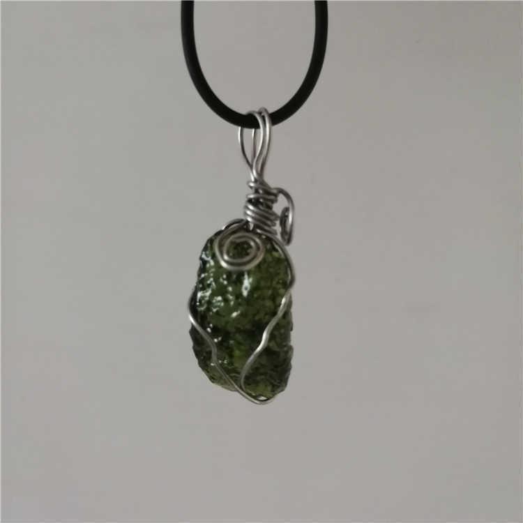 Hot Sale A++ Natural Moldavite green aerolites crystal Falling stone pendant energy apotropaic 4g-6g/ lot + free rope Necklace 1027