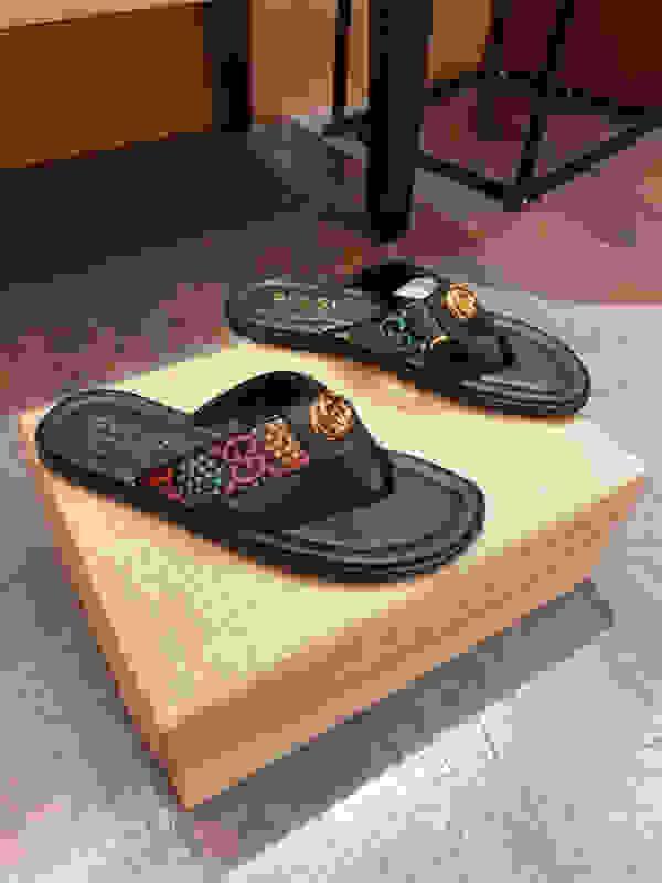 2021 Yeni düz peri kaymaz plaj ayakkabıları yaz hy200614 klipsli kadın moda dışında terlik kadınları Flip-flop