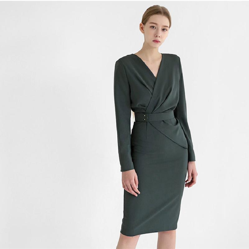 Осень и зима 2020 новый Корейский темперамент ола V-образным вырезом тонкий плиссированные талии пакет бедра профессиональное платье женщина