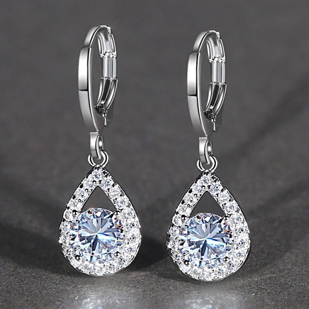 المسيل للدموع إسقاط الماس أقراط مكعب زركونيا استرخى الأذن خواتم المرأة الأزياء والمجوهرات وسترندي هدية