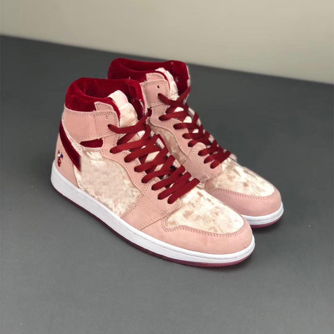 Jumpman 1 1S Strangelove أحذية كرة السلة للنساء عيد الحب الوردي من جلد الغزال الفتيات الرياضة رياضية في الهواء الطلق des chaussures