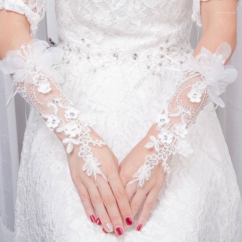 Les gants de la dentelle princesse minces longues gants de strass à fleurs en trois dimensions brodées1