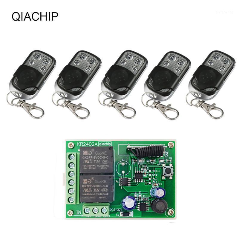 التحكم عن بعد QIACHIP 433 ميجا هرتز 2ch rf ترحيل التتابع وحدة dc 6 فولت 12 فولت 24 فولت العالمي التحكم اللاسلكي ل الفتاحة باب المرآب DIY1