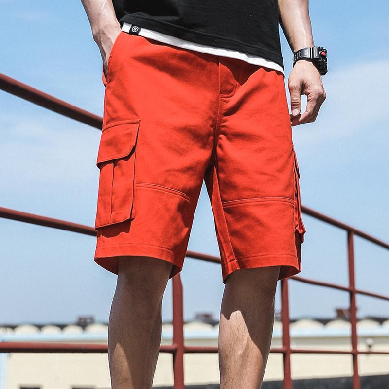 2020 Summer Red Mode Multi-Taschen Herren Cargo Shorts Gerade lose beiläufige Shorts Männer kurze Hosen 1027