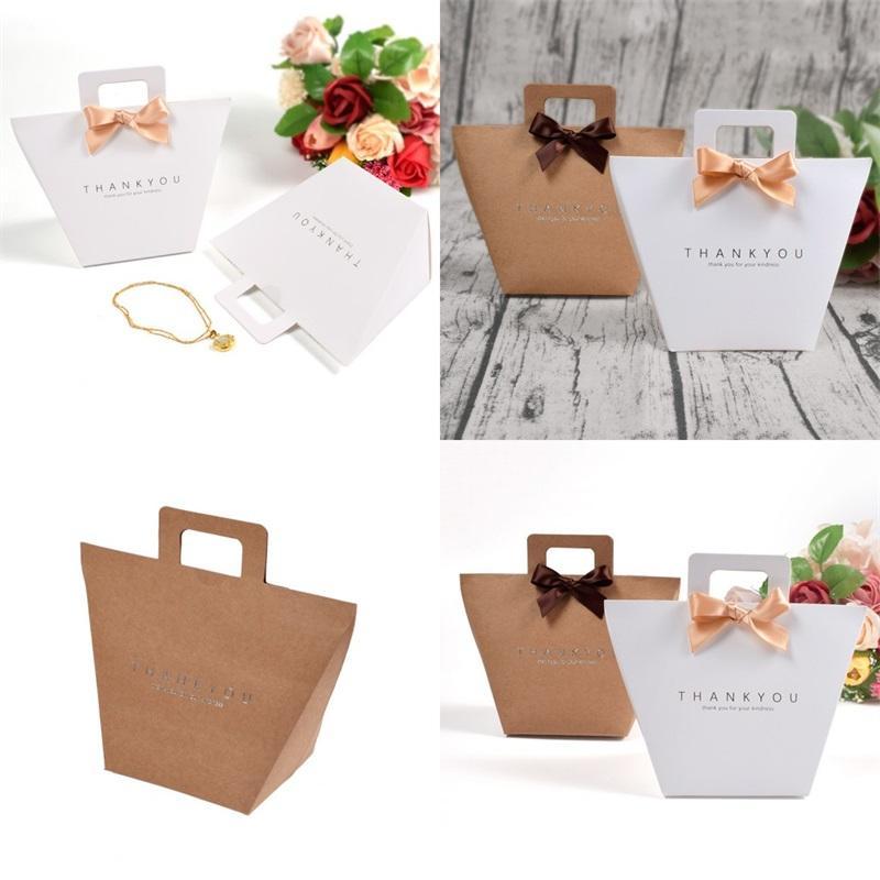 크래프트 종이 포장 가방 단순성 활 선물 가방 컬러 인쇄 향수 기념품 선박 모양 핸드백 0 72HB F2