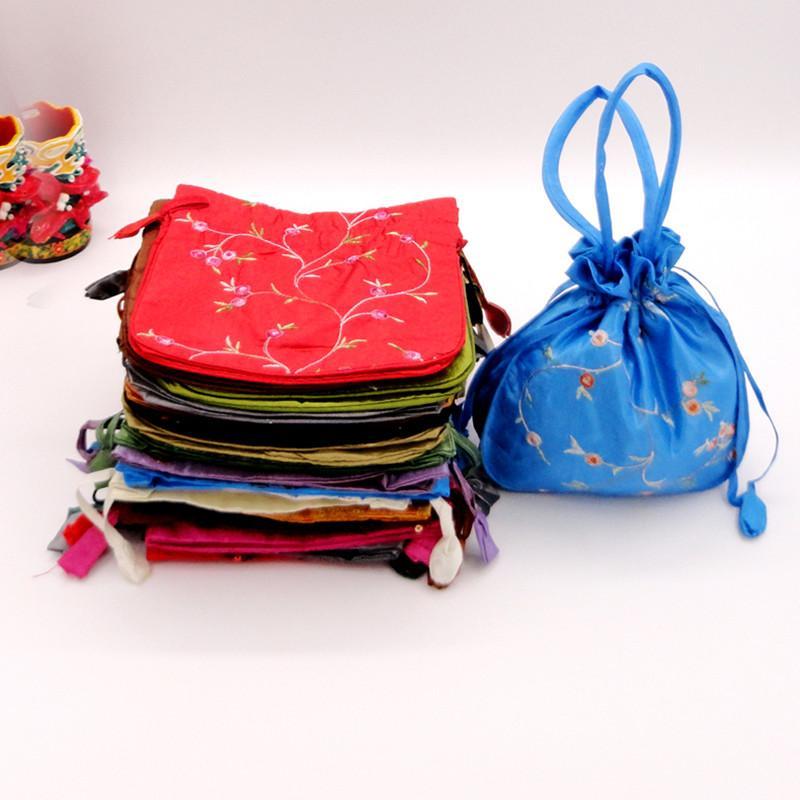 ハンドルと刺繍のフルーツの大きな結婚式のパーティーギフトバッグ、尾の財布女性中国のシルクの巾着包装袋22x22 cm 35pcs /ロット