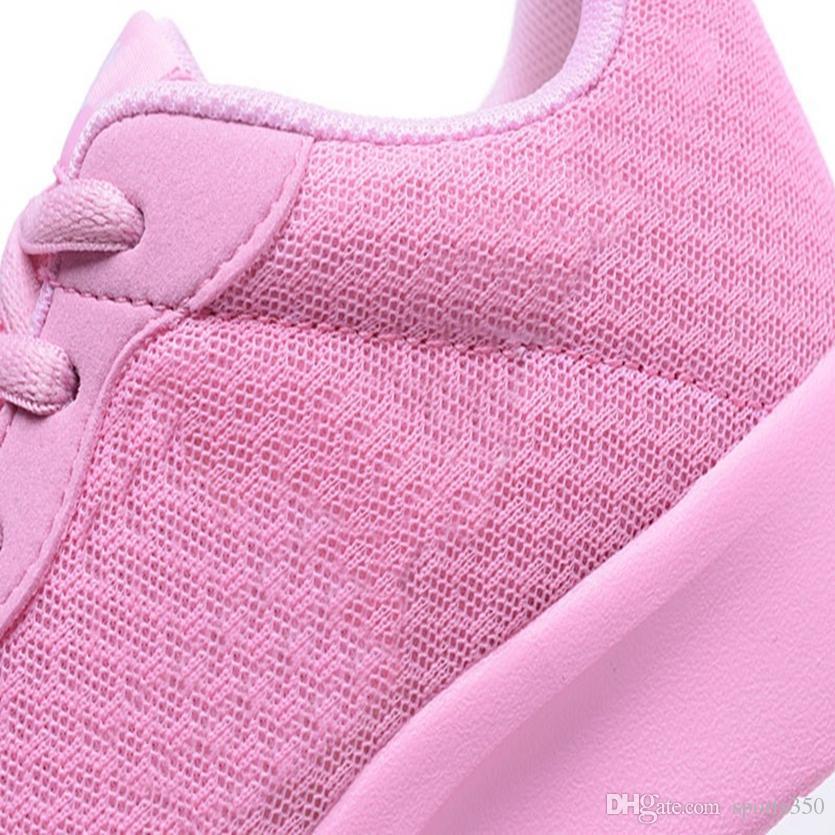 Горячей продажа Новой моды мужчины женщин обувь Mesh Дышащие кроссовки Walking Мужчины Обувь New Удобный легкий Dhso-5456383
