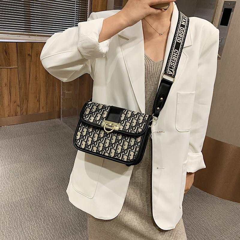 C 2020 Новая мода k Универсальные ins Широкий ремешок Одиночные плечевые Женщины Небольшая квадратная сумка