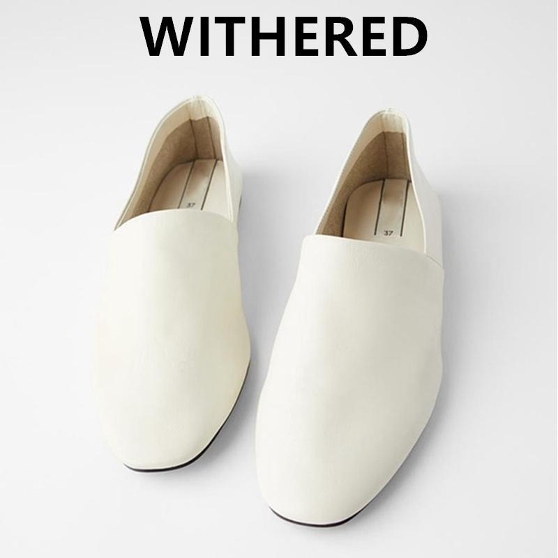 Увядшая англия простого стиля мягкой кожи элегантного скольжение на мокасинах женщины женщины плоские балетные туфли 201026