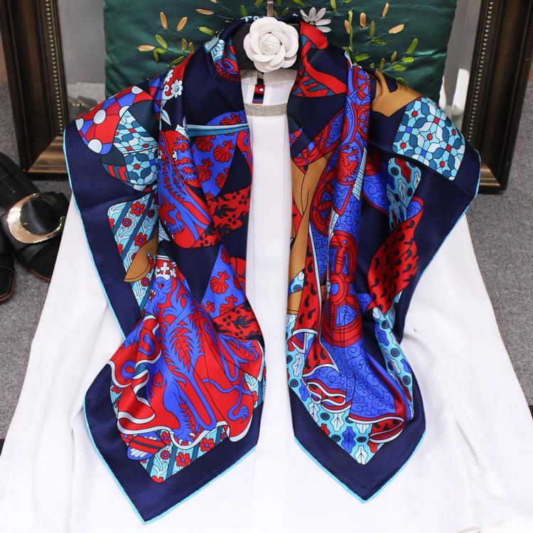2020 High Grade 90 * 90 centímetros Scarf Praça Multicolor Cavaleiro Impresso mão rolou 100% Soie sarja de seda Pashmina Xaile Wraps Hijabs Capes BGO2990148