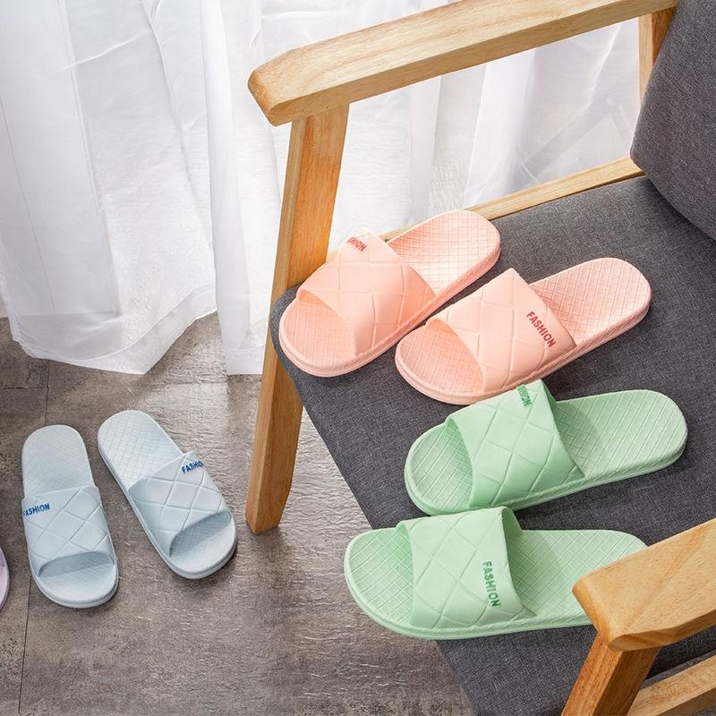 H5rp8 Slipper dame été 2020 nouvelles sandales maison confortable à l'intérieur anti-dérapant et chaussons salle de bain maison pantoufles cool enfant pour la