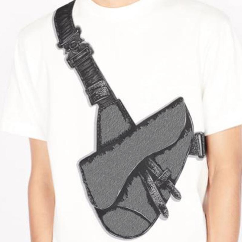 20SS Saddle Bag Печать Tee Fashion High Street с короткими рукавами Летняя повседневная футболка сплошной цвет дышащих мужчин женщин экипаж шеи