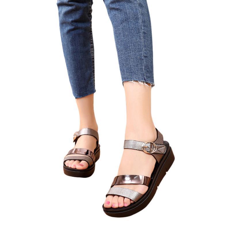 Sandales de haute qualité Femmes d'été Mode Casual Cuir Sandales Wedges Grand confort Taille Grande taille de 2020 femmes
