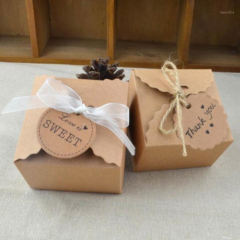 50 pcs natural marrom kraft papel casamento caixa de doces com fita rústica decoração vintage decoração de casamento presentes para hóspedes1
