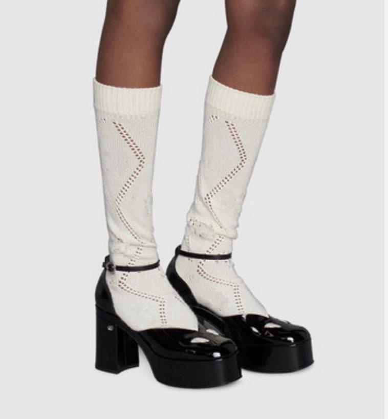 Tasarımcı Diz Boyu Çorap Çorap Kadınlar Için Kız 2020 Yeni Klasik Mektubu Örme Pamuk Ayakkabı Hosiery Orta Buzağı Uzunluğu Çorap Hediyeler