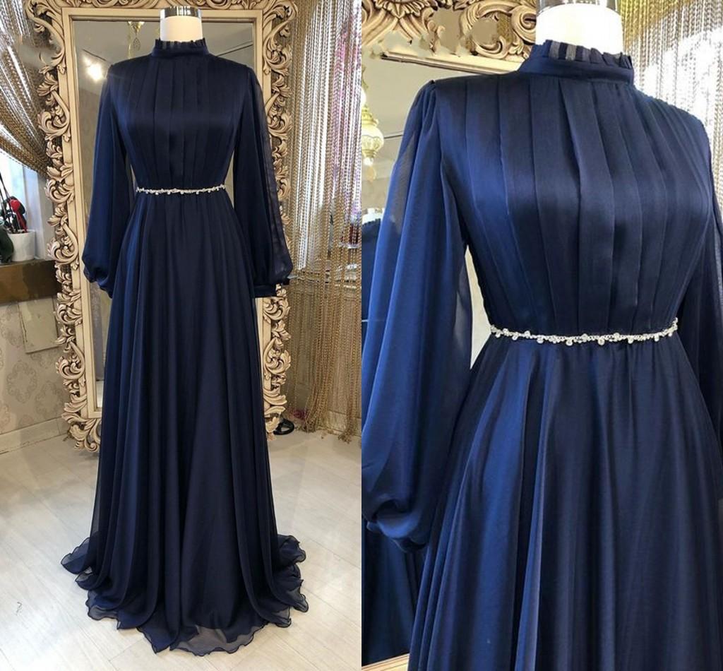2021 Muslim Dresses Evening Wear Long Sleeves High Neck Pleated Draped Beaded Belts Plus Size Prom Formal Dress Womens Navy Blue 3D Chiffon
