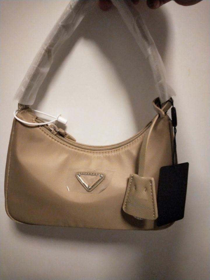 LUXURYS Designers Bolsas Tote Nylon Bolso de hombro Diseñador de lujo Bolsa de hombro de mujer Bolsos de Crossbody Bolso Envío gratis