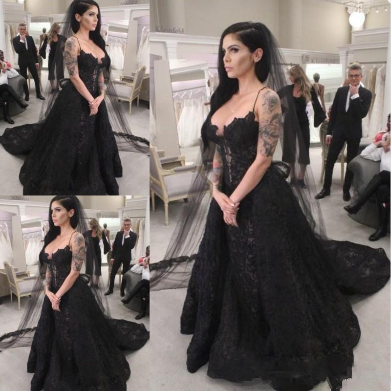 Black Lace Vintage Abiti da sposa gotico cinghie di Applique con scollo a V aperto indietro Boemia abito da sposa per la sposa Abiti da sposa taglie forti