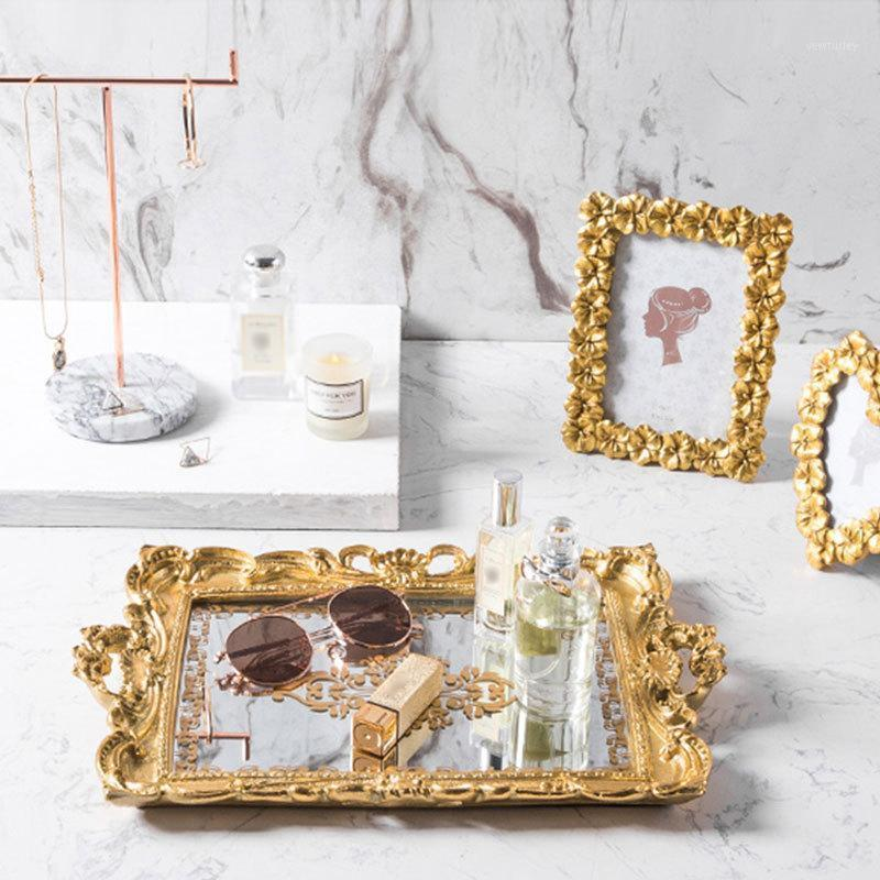 Nordic Style Storage Mirror Tray Gold Vintage Young Year Plate Dessert Snack Trucco Organizzatore Home Desktop Decor1