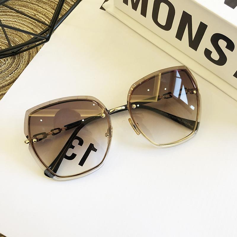 Дизайн Rimless Женщины Солнцезащитные очки Роскошные очки Lady ВС стекла женщина 2020 Gradient Розовый Синий Оправы площади объектива