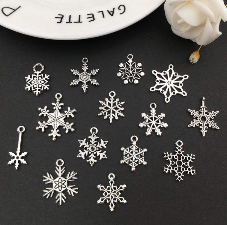 The latest model 1 pack = 70 pieces, Christmas ornaments, antique silver snowflakes, Christmas tree decorations free shipping