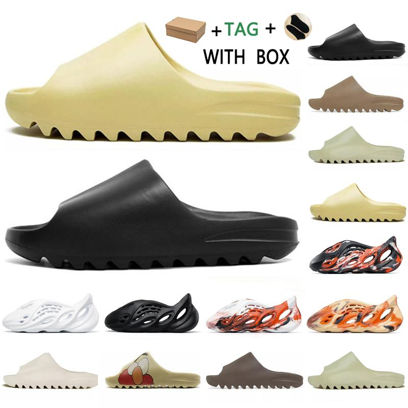 2021 Corredor de Espuma Kanye West Clog Sandal Triplo Black Slide Slipper Mulheres Mens Tainers Bone 450 Designer Sandálias de Beach Slip-on Shoes # 522