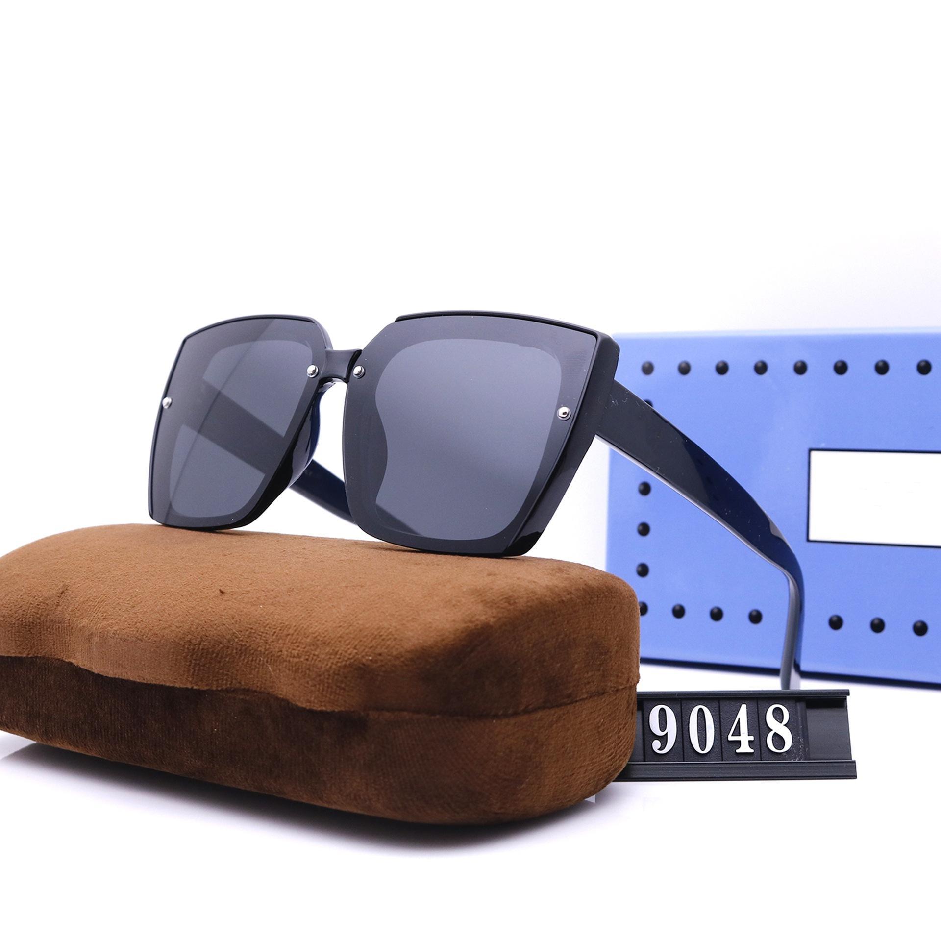 Moda Kadınlar Kare Tasarım Güneş Gözlüğü Beş Renkler Lüks Yüksek Kalite HD Polarize Lensler Sürüş Güneş Gözlükleri 9048