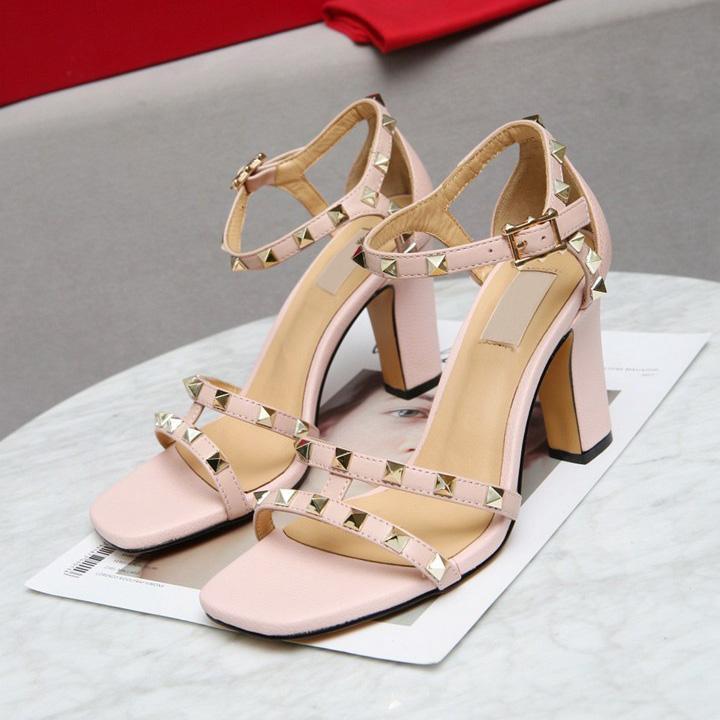2021 Сексуальная мода STED SANDALS натуральные кожаные насосы слингбера, дамы сексуальные высокие каблуки мода заклепки обуви вечеринка высокий каблук 9см