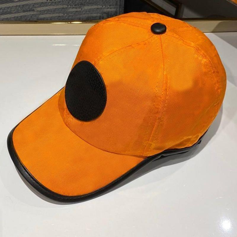 Tappo di tela di alta qualità uomo donna classico lettera in pelle etichetta cappello all'aperto sport cinturino ricreazione per il tempo libero cappello stile europeo cappello da sole cappello da baseball