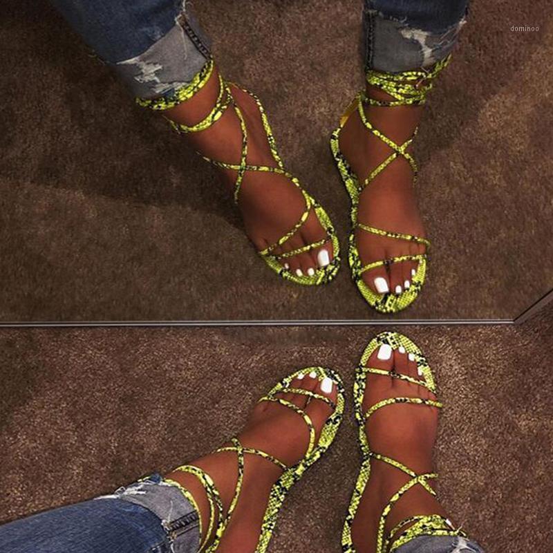 Sandalias planas para mujer Verano fuera de Leopard Snake Print Zapatillas Tobillo Correa Hebilla Correa Gladiador Sandalias 1