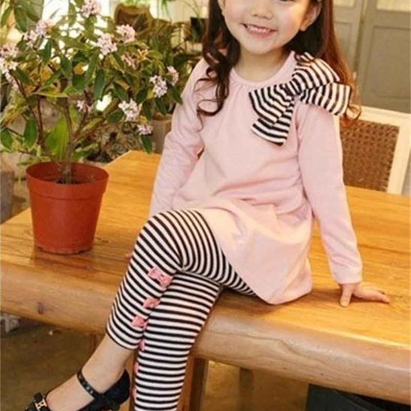 Розничная торговля и оптовая продажа весна и осени малыша девушка одежда одежда детская одежда детская вершина с луком + полосатые леггинсы 2 шт. 201126
